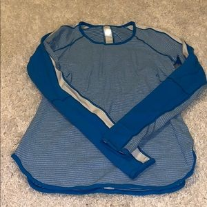 Lululemon Reversible blue top